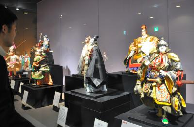 NHKテレビ「三国志」「平家物語」の人形制作を手がけた川本喜八郎さんによる周瑜、孫権、諸葛孔明といった「三国志」の迫力ある人形