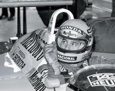 88年のF1日本グランプリでホンダのエンジンを搭載したマシンで優勝したアイルトン・セナ