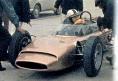 「RA270」の運転席=1964年2月、三重県の鈴鹿サーキット、ホンダ提供