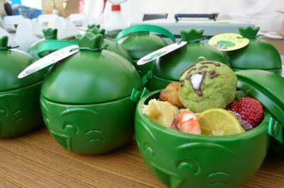 徳島県内ではキャラ弁が売り出されるほどの人気=2015年2月7日