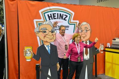 ケチャップのブランドとして世界的に有名な「ハインツ」は、いまやバフェット氏の企業グループになった=米ネブラスカ州オマハ、畑中徹撮影