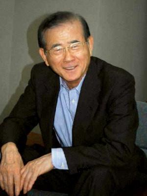 インタビューに応じるヤマダ電機の山田昇社長=2015年5月21日、群馬県高崎市の本社
