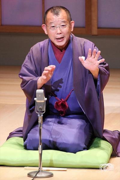 【2004年11月】「らくだ」を熱演する笑福亭鶴瓶さん