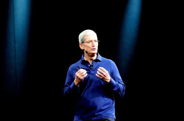 アップルのティム・クックCEO。「私はゲイであることを誇りに思う」という手記を発表