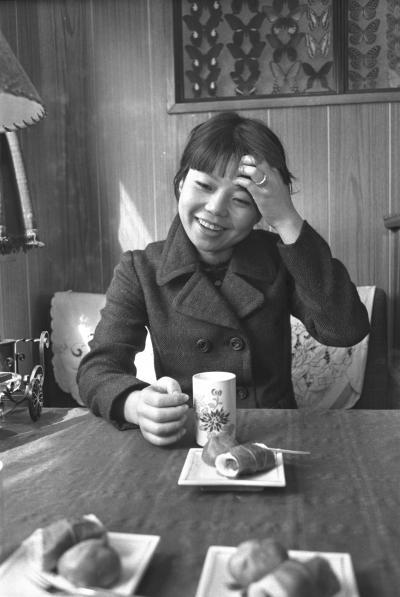 悠木千帆(ゆうき・ちほ)の名前で活動していたころの樹木希林さん=1966年3月