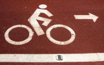 自転車でイヤホンは本当にダメ ...
