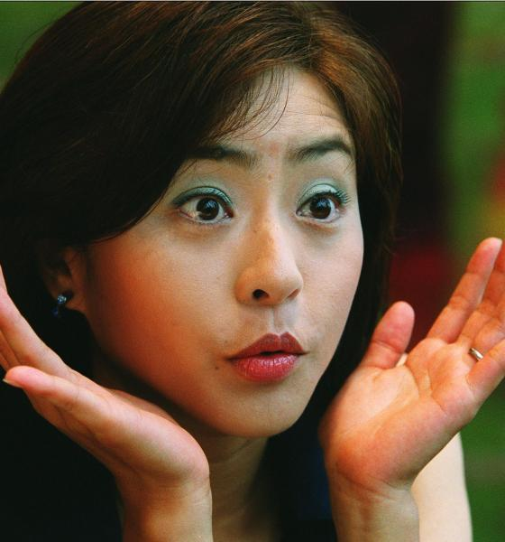 松本明子さん=2001年5月