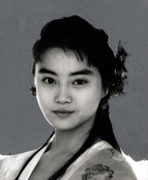 観月ありささん=1992年3月