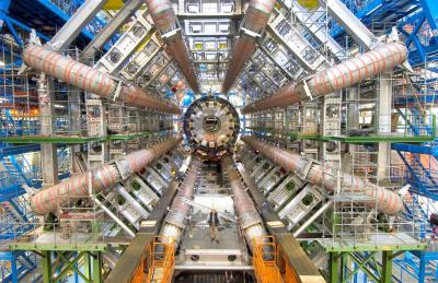 LHCに設置されている検出装置「ATLAS」=CERN、アトラス実験グループ提供
