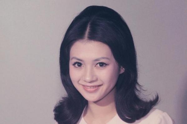 加賀まりこさん(1965年)