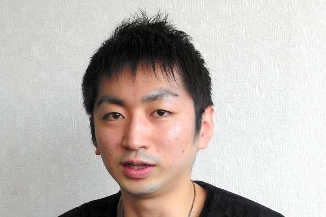 又吉直樹さんとともに芥川賞に選ばれた羽田圭介さん=2011年4月