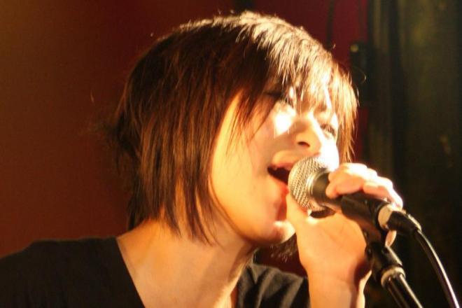 マンション内のロックミュージシャンの歌声は「騒音」か。東京地裁が住人への慰謝料支払いを認める判決を出しました。その線引きとは?(写真と本文は関係ありません)