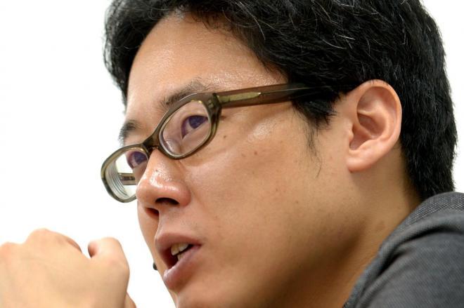 「永続敗戦論」のマンガ版を出す白井聡さん