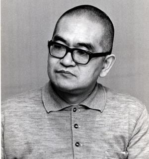 終戦記念日に丸刈りにした評論家の鶴見俊輔さん=1974年8月17日