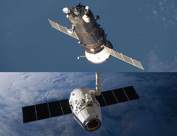 プログレス(上)とドラゴン=いずれもNASA提供