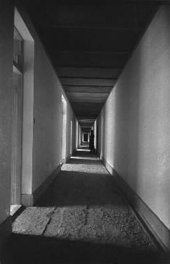 松代大本営の内部廊下=1945年11月
