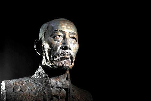 折田先生の胸像。卒業式でいたずらされることで有名。現在は京大・百周年時計台記念館の歴史展示室で見ることができる