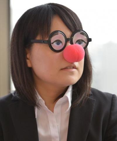 現在の仕事内容について語る暇な女子大生さん=瀬戸口翼撮影