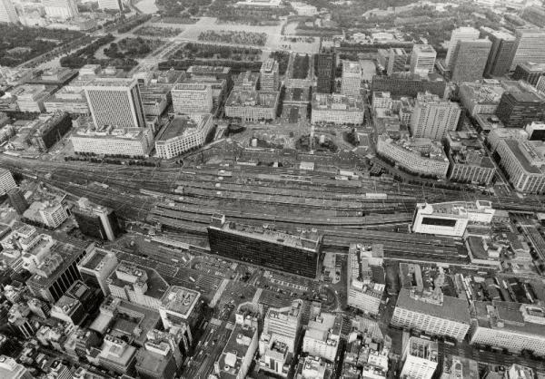 【1986年】国鉄用地の売却を機に、装いを一新しそうな東京駅周辺