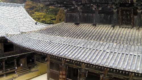 ドローンで上空から撮影した書写山円教寺=2014年5月8日、姫路市書写、橋本商会提供 (2)