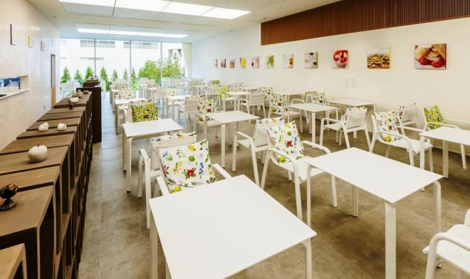 札幌本店の喫茶室