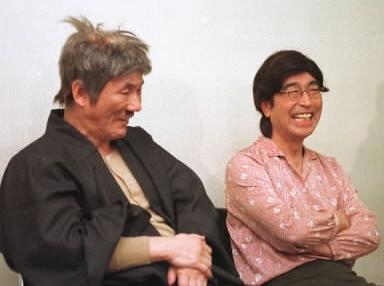 【1981年~】ビートたけしさん(左)と志村けんさん=1999年3月撮影