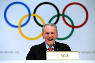 IOCのロゲ会長(当時)=2013年9月4日、アルゼンチン・ブエノスアイレス