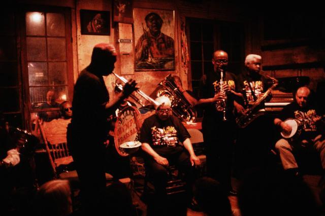 ディキシーランド・ジャズの故郷、ニューオーリンズにある「プレザベーション・ホール」=1993年6月