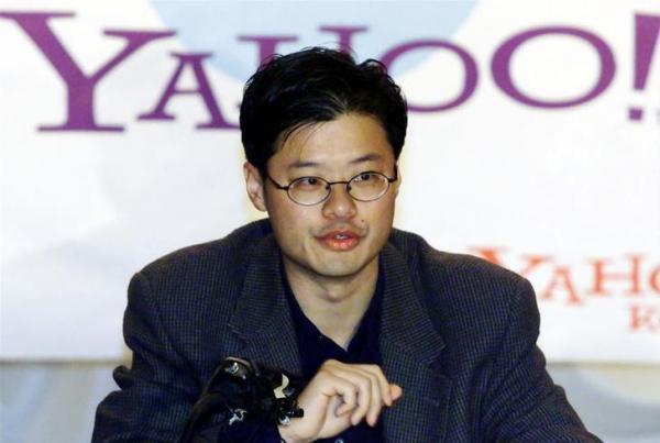 米ヤフー共同創業者のジェリー・ヤン氏。1995年、米スタンフォード大在籍中にヤフーを設立=2000年2月29日