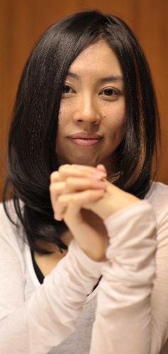 朝吹真理子さん、第144回芥川賞=2010年10月19日