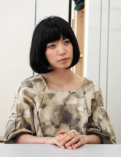 川上未映子さん、第138回芥川賞を受賞=2009年9月5日