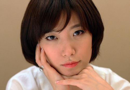 川上未映子さん、第138回芥川賞を受賞=2010年2月9日