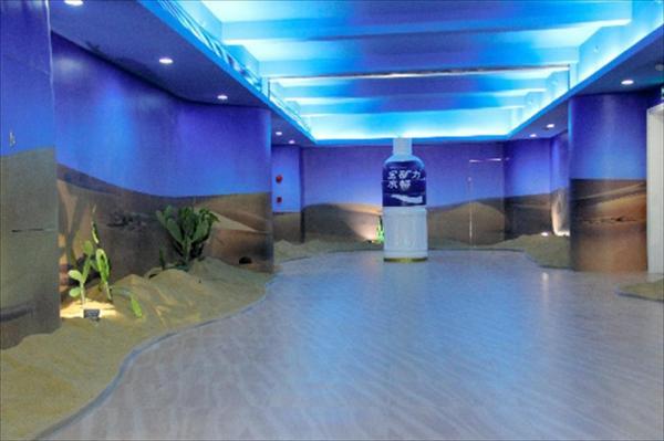 中国3番目となる広東にあるポカリスエットの新工場=2012年7月