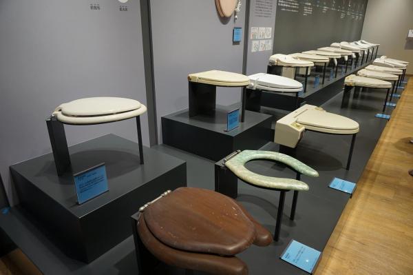 TOTOミュージアムに展示されている便座