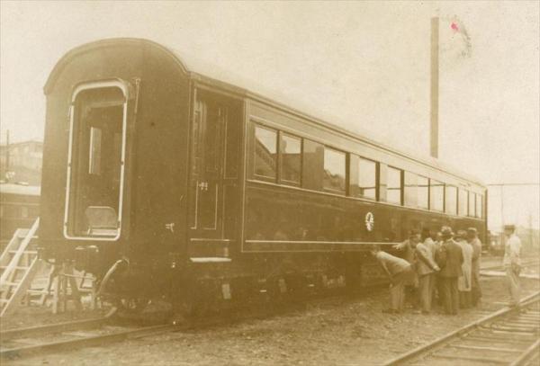 鋼鉄車体で新調された昭和天皇の御料車=1932年4月16日