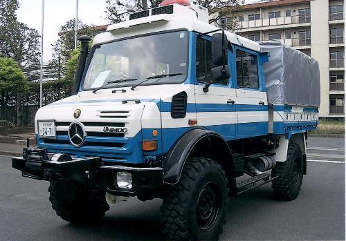 埼玉県警の災害救助車のユニモグ=2011年8月