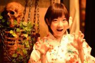 女性怪談師として活躍する山口綾子さん=長谷川健撮影