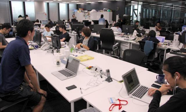ニューズピックス編集部。親会社のユーザベースのオフィス内にある