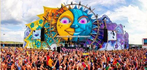 野外音楽フェスティバルの写真=「Tomorrowland」のホームページから
