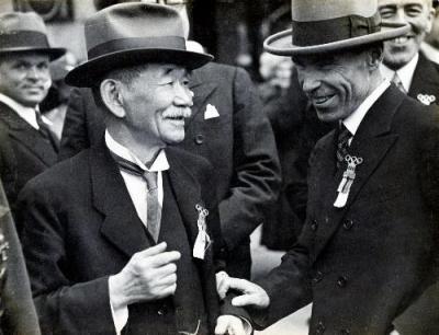 1936年、ベルリンでのIOC総会に臨む嘉納治五郎。40年東京五輪の開催が決まった