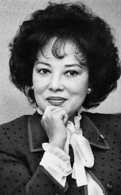 【1981年1月】自民党参議院議員になった山口淑子さん