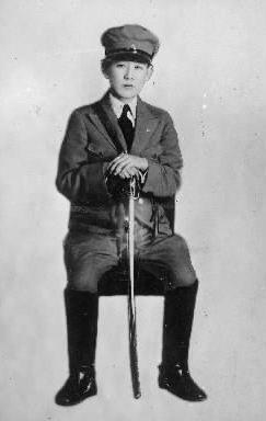 【1933年2月】満州国熱河定国軍総司令官姿の川島芳子さん