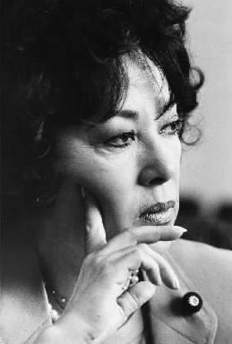 【1982年6月】自民党参議院議員になった山口淑子さん