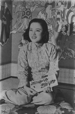 【1940年8月】歌舞伎座8月公演、国策劇『黎明曙光』に出演の李香蘭さん