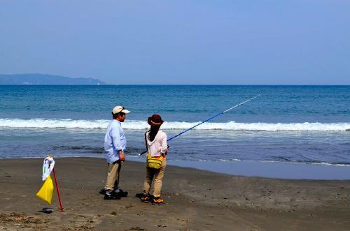 鴨川市で開催された釣りコン。キス釣りを通じて4組のカップルが誕生した=2014年5月