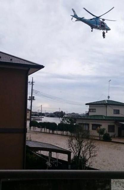 赤プルさんの親族が浸水した自宅から撮影した写真=赤プルさん提供