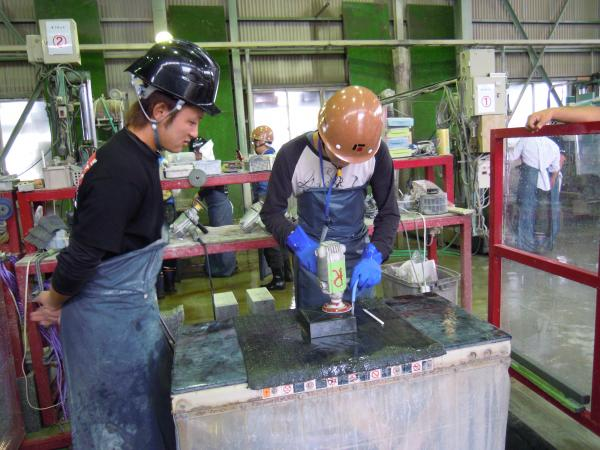 採石場・加工工場研修の様子