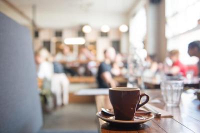 「迷惑ではないだろうと考えていた」カフェでの外国語レッスン、実際にしていた人からは反省の声も寄せられた