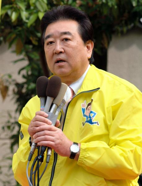 「お笑いマンガ道場」の司会で人気を集め、参院議員も務めた柏村武昭さん。広島市長選にも立候補した=2007年3月25日
