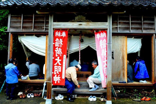 稲荷神社のお祭り=新潟県柏崎市